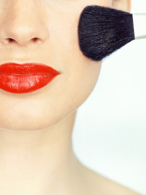 red-lips-makeup-brush